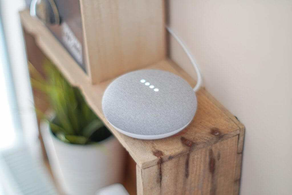 google home mini smart home assistant
