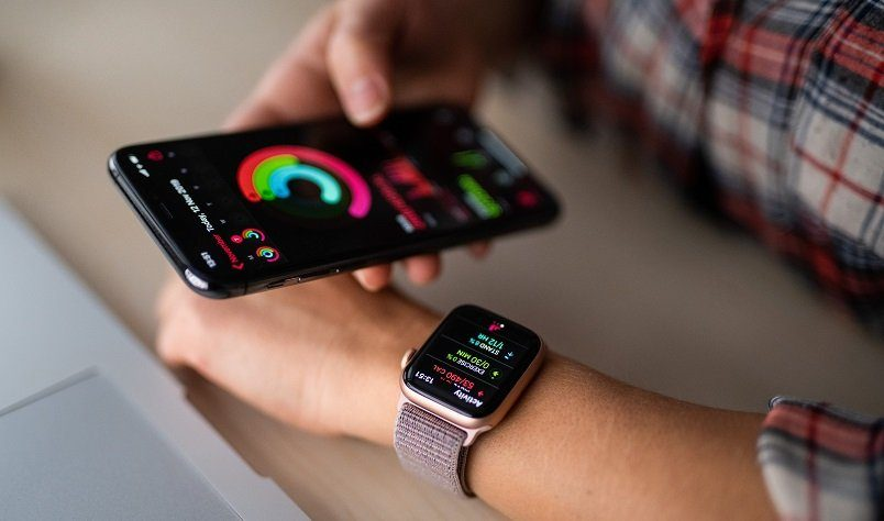 What Smartwatch Works With iPhone?